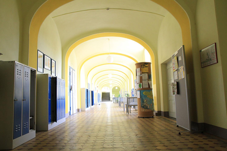 Schulhaus innen